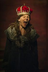 Gunilla Orvelius Drottning Kristina Efter mitt eget huvud Stadra Teater 2014 foto Dragan Popovic
